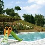 Swimmingpool mit Kinderrutsche - Foto C. Brouwers -